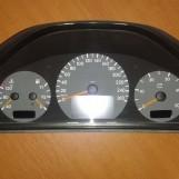 MERCEDES E W210 2.7CDI TACHOMETER 110008915009  MB A2105400311Q1